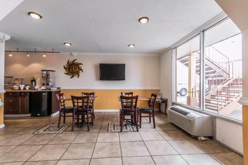 Rodeway Inn Hopkinsville - Hopkinsville, KY 42240