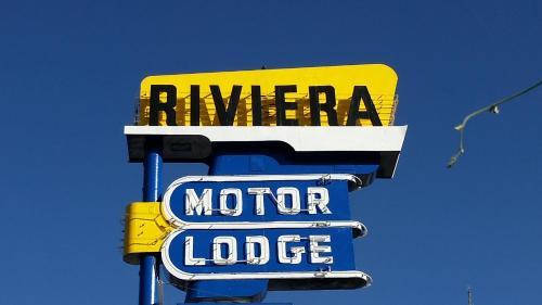 HotelRiviera Motor Lodge