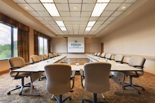 Hilton DFW Lakes Executive Conference Center Photo