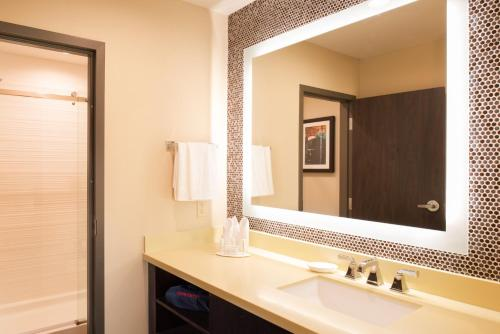 Fairfield Inn & Suites by Marriott New Orleans Downtown/French Quarter Area Photo