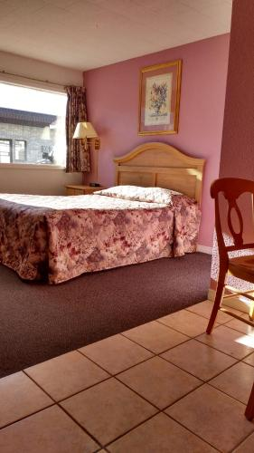 Travel Inn Hearst - Hearst, ON ON P0L 1N0