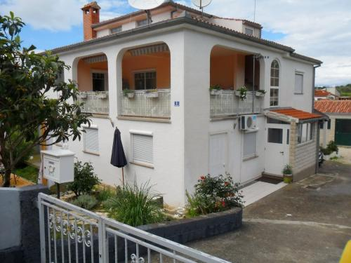 Apartment in Petrcane with One-Bedroom 1