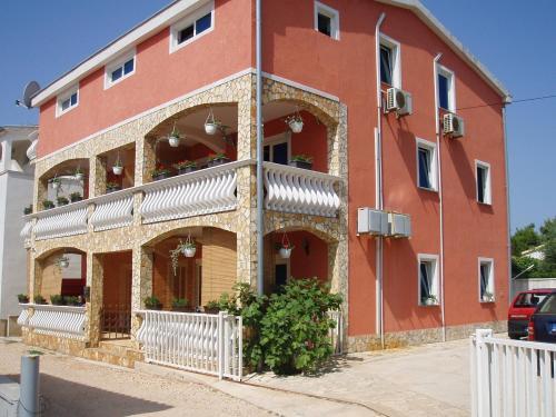 One-Bedroom Apartment in Vir IV