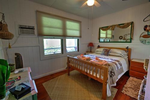 Hale Kawehi Bed And Breakfast - Hilo, HI 96720