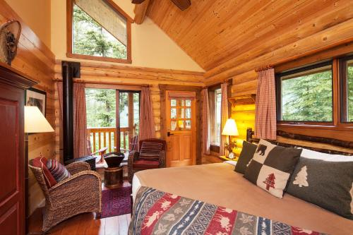Cathedral Mountain Lodge - Field, BC V0A 1G0