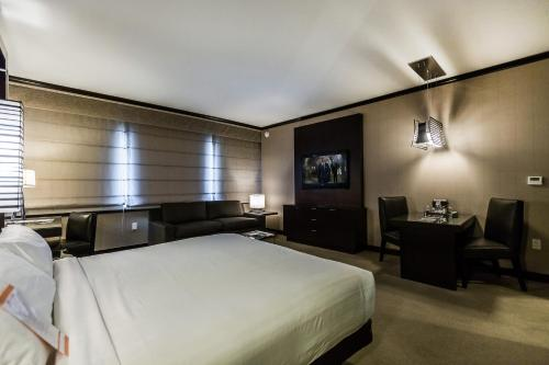Vdara Condo Hotel Suites by AirPads Photo