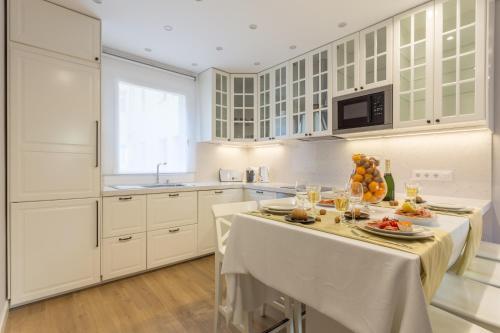 Appartamenti moreryadom barcellona da 170 volagratis for Appartamenti eixample barcellona