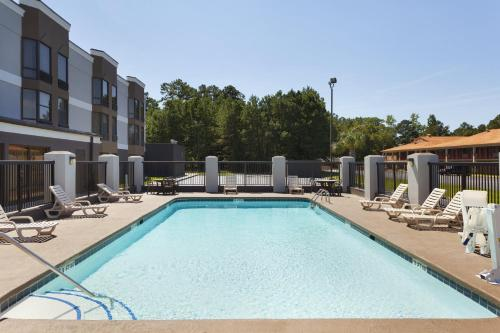 Country Inn & Suites by Radisson, Florence, SC Photo
