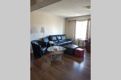 Entire Home - 4 Bedrooms - Brampton, ON L7A 0R7