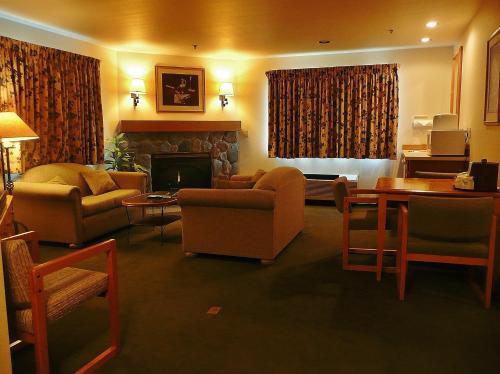 Fidalgo Country Inn