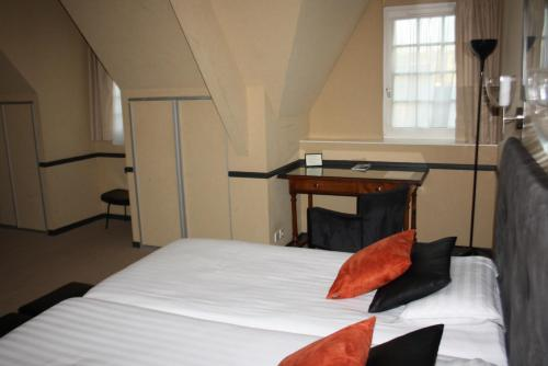 la truffe noire h tel 22 boulevard anatole france 19100 brive la gaillarde adresse horaire. Black Bedroom Furniture Sets. Home Design Ideas