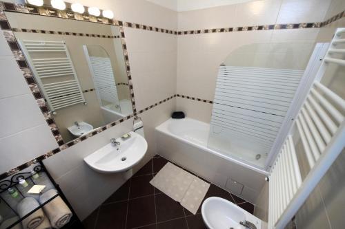 Mánesova Apartment photo 9