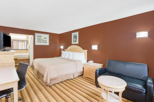 Days Inn Columbus Tryon Photo
