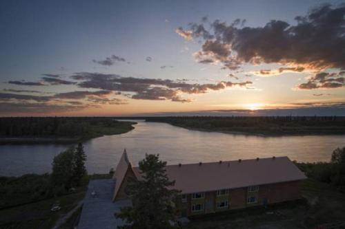 Cree Village Ecolodge - Cochrane, ON P0L 1W0