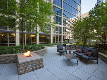 215 West - Chicago, IL 60606