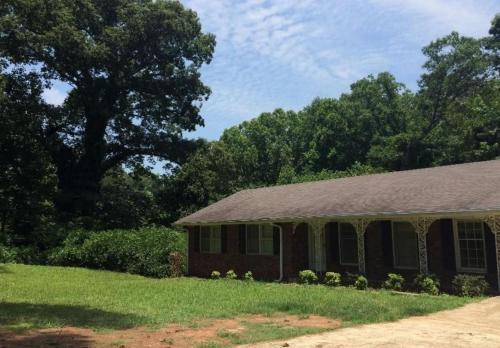 3 Bedroom / 2 Bathroom House Decatur