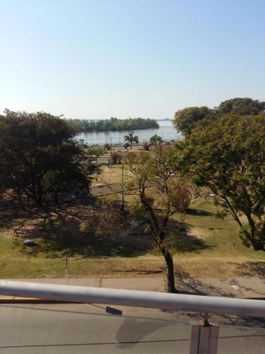 Frente Al Rio