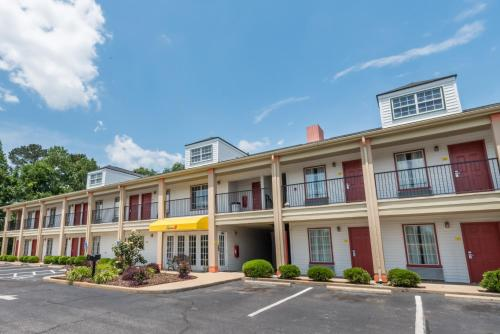 Super 8 By Wyndham Alexander City - Alexander City, AL 35010