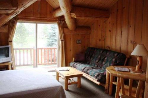 Stone Wolf Studio At Wolfridge Resort - Winthrop, WA 98862