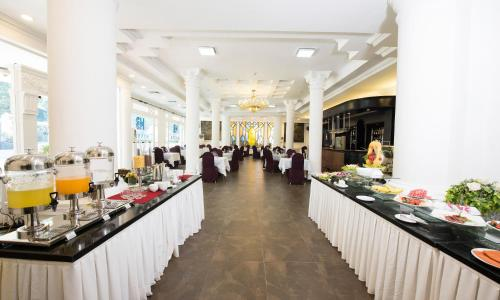 Hoa Binh Hotel photo 13