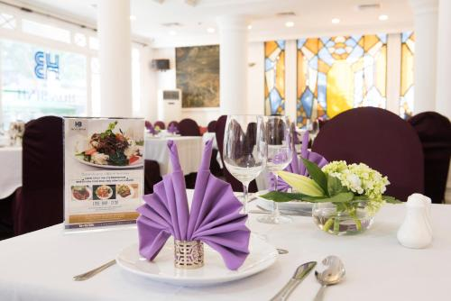 Hoa Binh Hotel photo 16