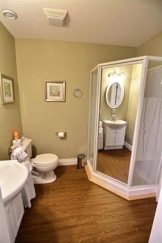 Celtic Shores Coastal Inn & Suites Photo
