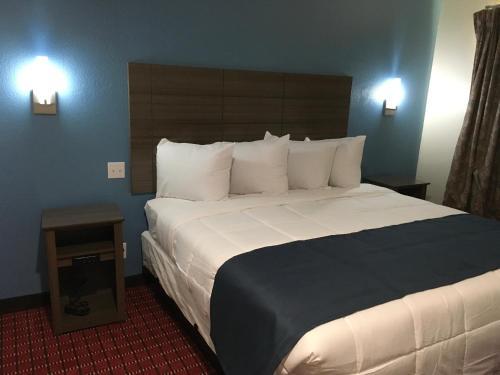 Americas Best Value Inn Decatur Photo