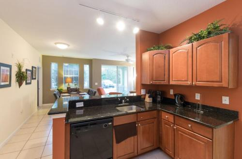 Beautiful Resort Condo Near Disney - Kissimmee, FL 34746