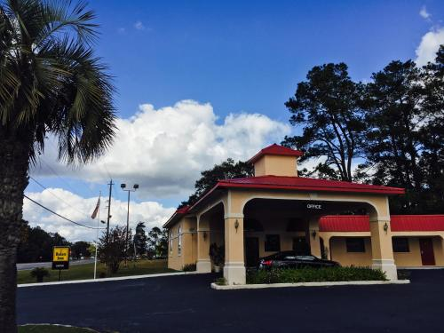 Relax Inn - Folkston, GA 31537