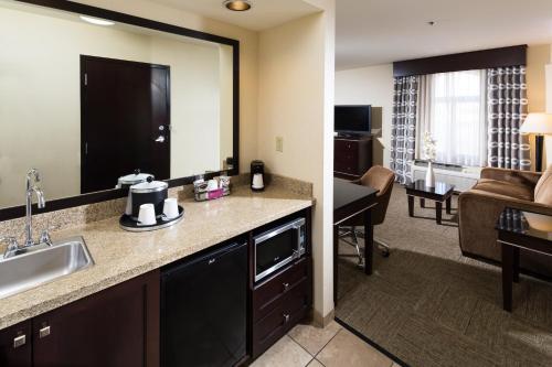 Hampton Inn & Suites Las Vegas South photo 19