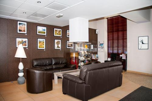 Best Western Plus H U00f4tel Colbert  Ch U00e2teauroux    Prices  Photos And Reviews