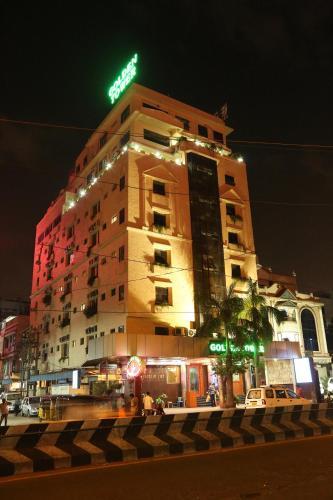HotelGolden Tower