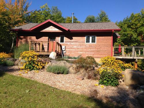 The Bear Cabin - Ironwood, MI 49938