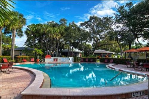 Polynesian Gardens Villa - Two Bedroom Condo - P6
