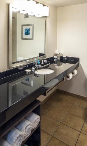 Crowne Plaza Hotel Pittsburgh South - Bethel Park, PA 15241