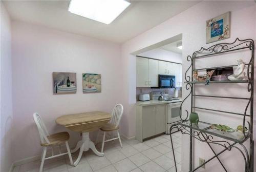 Bahia Vista - Two Bedroom Condo - 13-150 - St Petersburg, FL 33715