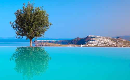 Pýrgos, 84701 Santoríni, Greece.