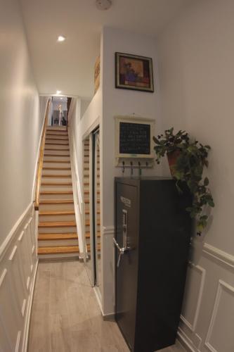 Cabbagetown Victorian Home - Toronto, ON M4X 1M9