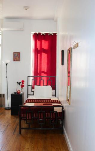 NY Moore Hostel Photo