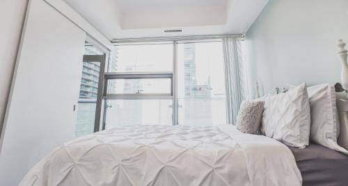 Two Bedroom Cn Tower Mtccdowntown Toronto - Toronto, ON M5J 0A9