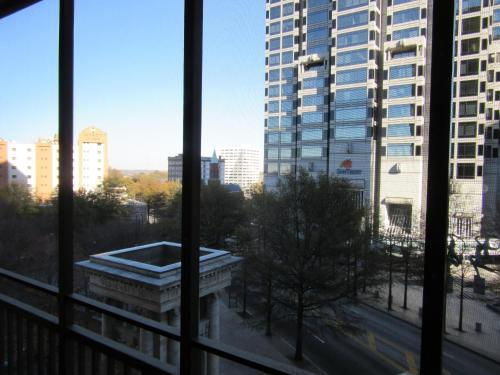 Downtown 2 Bedroom Apt 5i - Atlanta, GA 30308