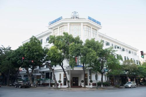 Hoa Binh Hotel photo 18