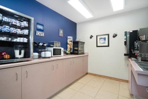 Microtel Inn La Crosse Onalaska Area Photo