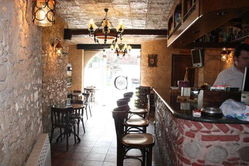 Hostal Restaurante Cornella