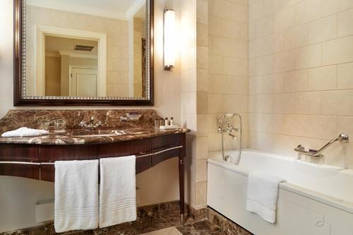 Corinthia Hotel Budapest - 37 of 65