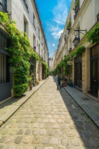 Paris Center Tournelle Suite - 5 guests impression