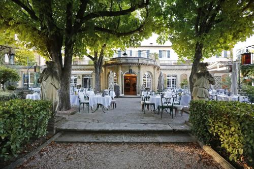5 Avenue du Pigonnet, 13090 Aix-en-Provence, France.