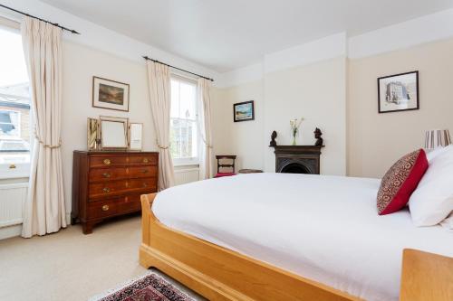 Veeve - Garden Cottage, 2 bed in Barnes photo 15