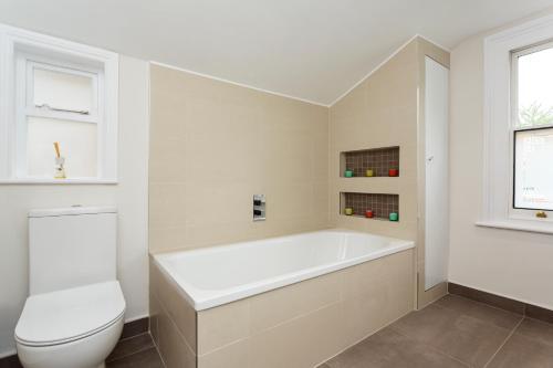 Veeve - Garden Cottage, 2 bed in Barnes photo 20