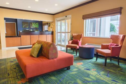 Fairfield Inn & Suites By Marriott Fargo - Fargo, ND 58103